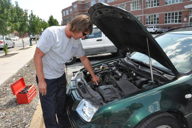 Mobile Oil Change Business Gets Rolling